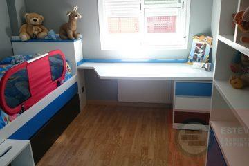 Habitacion Infantil Con Escritorio Y Estanterias
