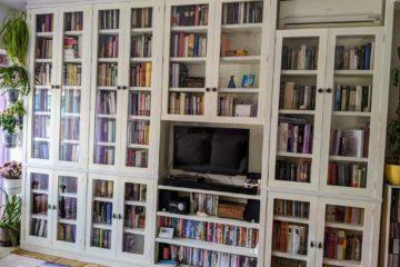 Libreria Blanca Lacada Con Puertas De Vidrio